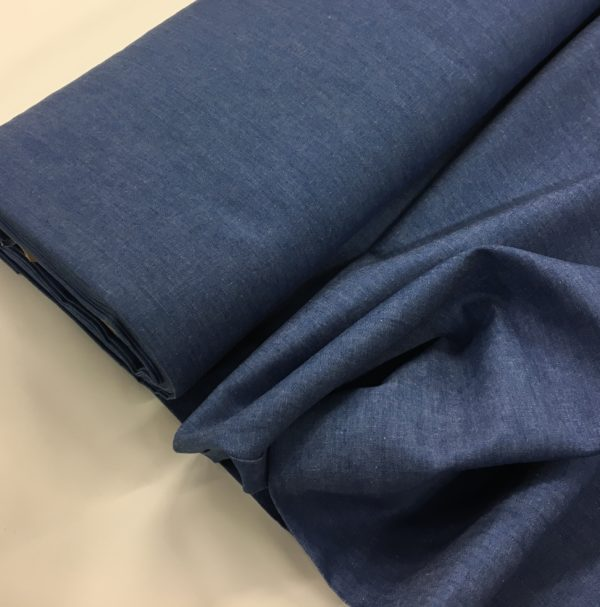 100% Cotton Lightweight Chambray - Mid blue